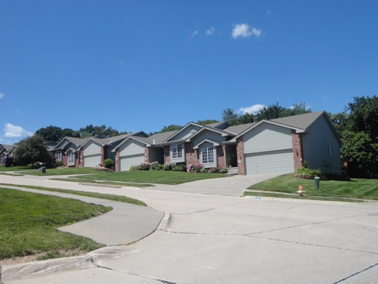 Lakewood Villages II Townhomes Association, Inc. Image
