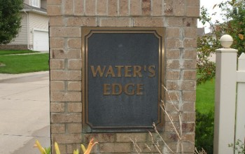 Waters Edge Court Image