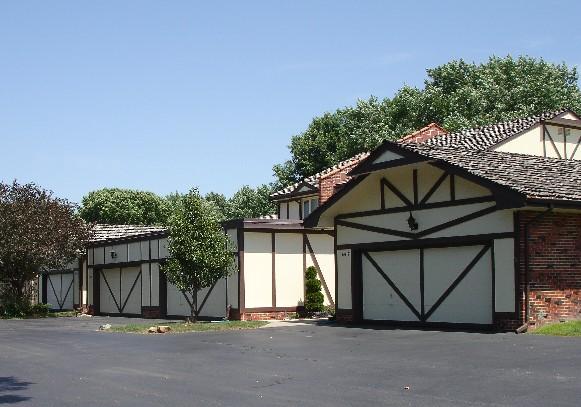 Oak Hills Condos 1 & 2 Image
