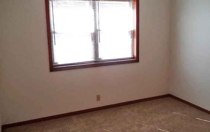 725 S 37th Street-Fernshire Apartments Image