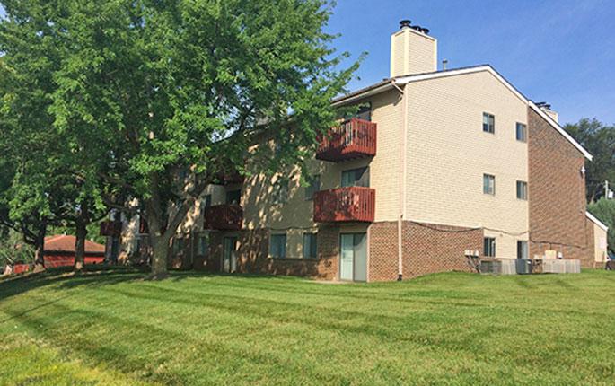10808 Oakbrook Circle – Oakbrook Apartments Image